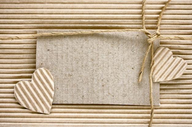 Dia dos namorados, coração cortado de papel ondulado Foto Premium