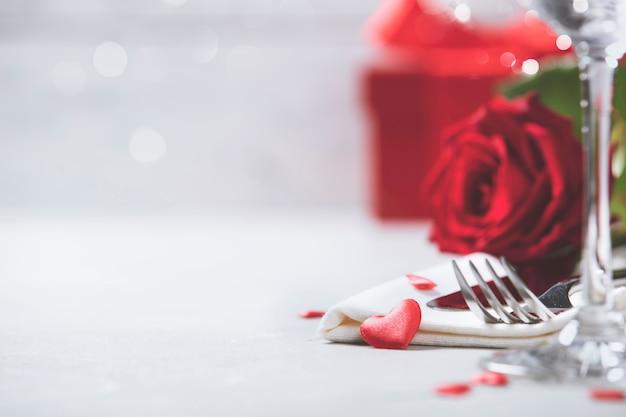 Dia dos namorados ou conceito de jantar romântico Foto Premium
