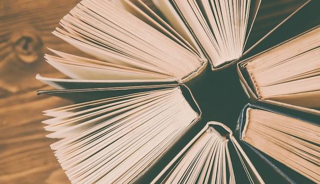 Dia mundial do livro. fundo do livro. foco seletivo. Foto Premium