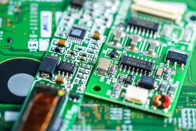 Dispositivo da eletrônica da placa principal do processador central do circuito de computador: conceito do hardware e da tecnologia. Foto Premium