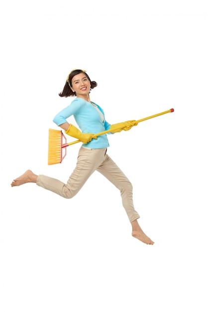 Divertir-se durante o trabalho doméstico Foto gratuita