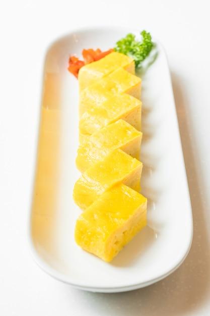 Doce omelete tamago Foto gratuita