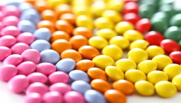 Doces vitrificados coloridos Foto gratuita