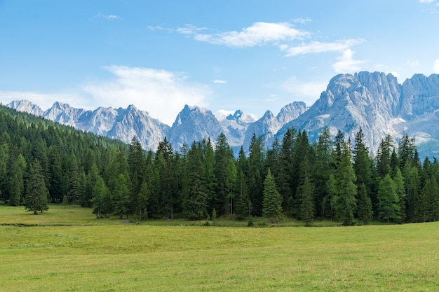 Dolomitas de montanha auronzo, itália Foto Premium