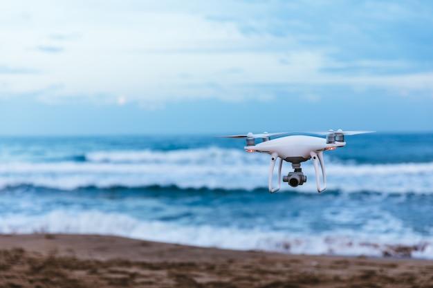 Drone voador Foto Premium