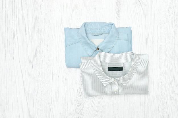Duas camisas conceito de moda. sortimento Foto Premium