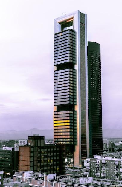 Duas torres do distrito financeiro de madrid Foto Premium