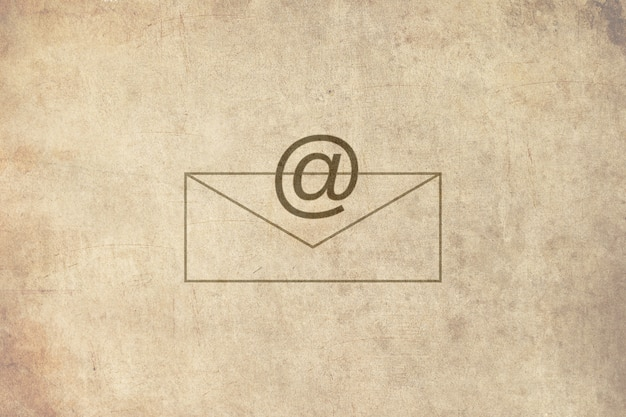 E-mail em papel antigo Foto Premium