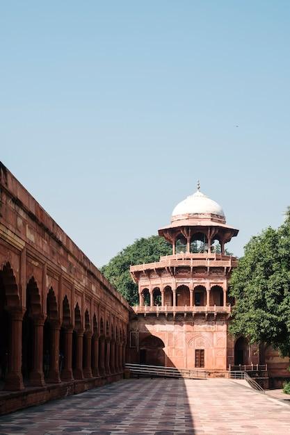 Edifício antigo na índia Foto gratuita