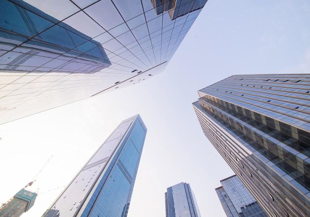 Edifício financeira ascensão ao ar livre azul Foto gratuita