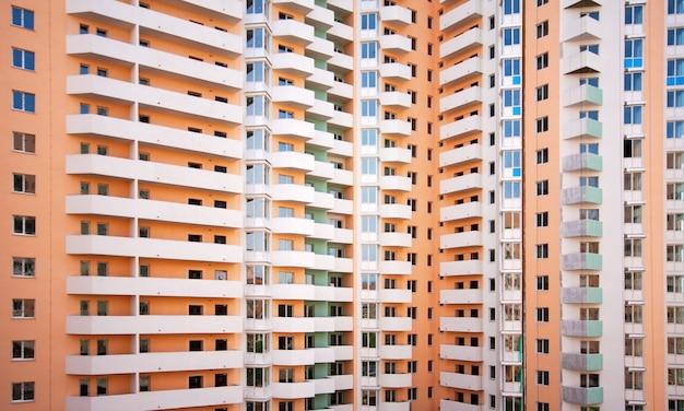 Edifício gigante com vários apartamentos Foto Premium