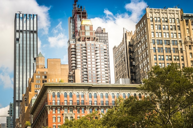 Edifícios modernos em nova york, eua Foto gratuita