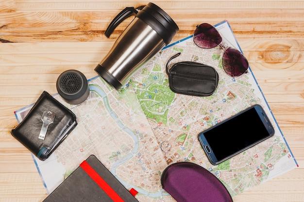 Elementos de viagem Foto gratuita