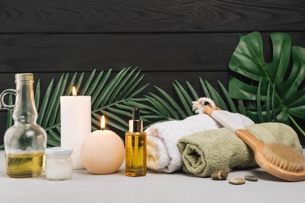 Elementos naturais para spa com velas Foto Premium
