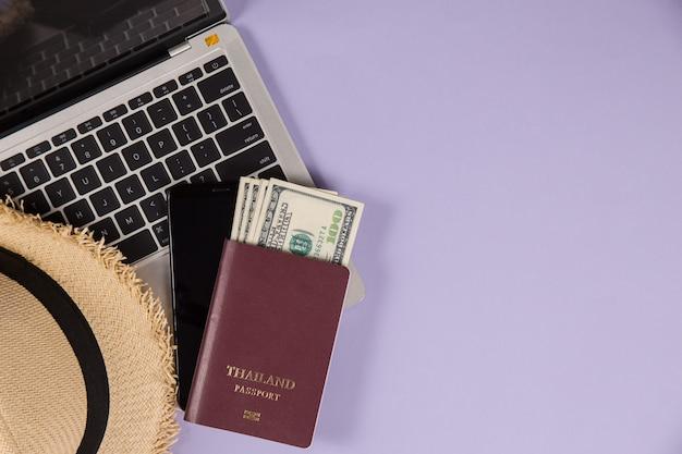 Elementos para planejamento de viagens Foto gratuita