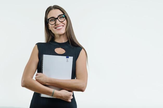 Empresária sorridente positiva Foto Premium