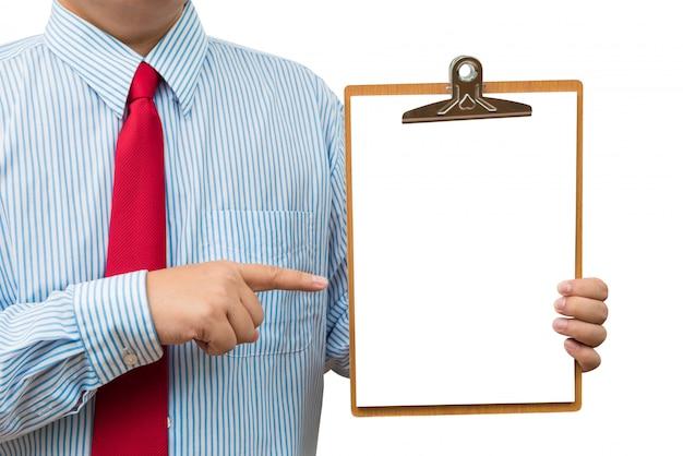 Empresário segurando e apontando para a área de transferência. isolado no fundo branco Foto Premium