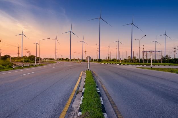 Energia de turbina eólica geração de energia ecológica de energia verde. Foto Premium