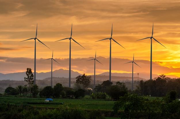 Energia de turbina eólica geração de energia ecológica de energia verde Foto Premium