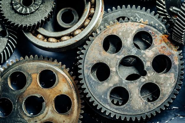 Engrenagens de uma antiga máquina industrial Foto Premium