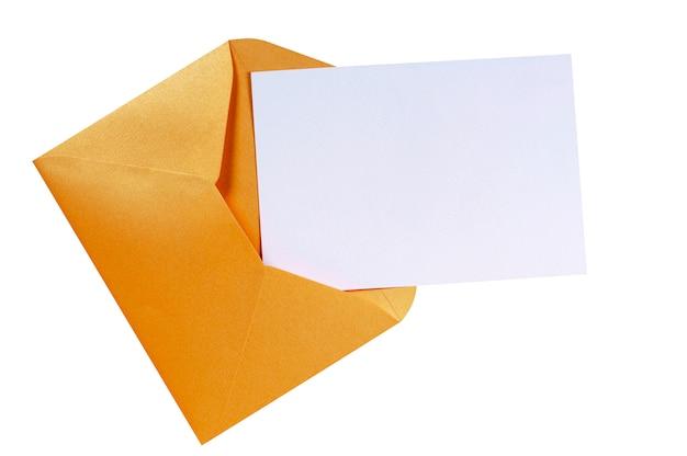 Envelope marrom de manila com cartão de carta em branco Foto Premium