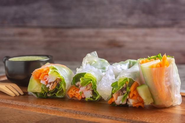 Envoltórios de arroz vegetal fresco Foto Premium
