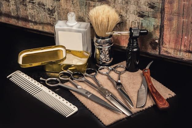 Equipamento diferente na barbearia Foto Premium