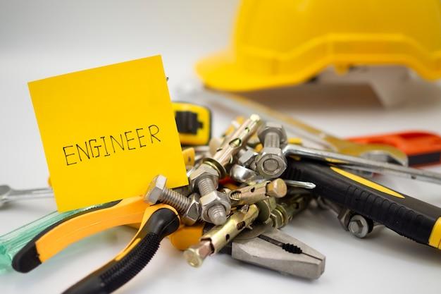 Equipamentos, ferramentas e materiais utilizados nas obras de engenharia Foto Premium