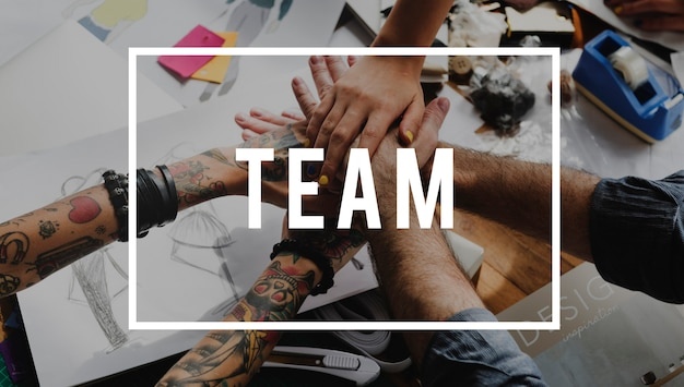 Equipe de colaboração juntos podemos brainstorm Foto gratuita