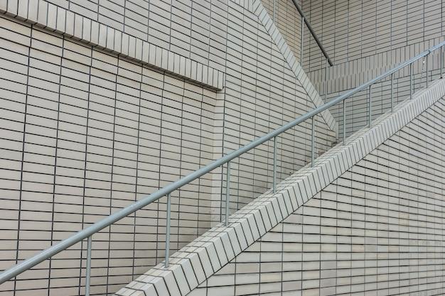 Escada no edifício moderno Foto Premium