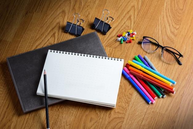 Escola estacionária e material de escritório Foto Premium