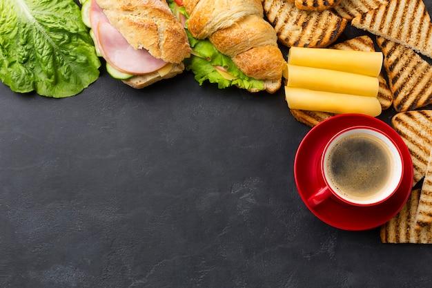 Espaço de cópia de sanduíches caseiros Foto gratuita