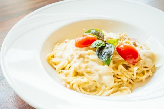 Espaguete carbonara Foto gratuita