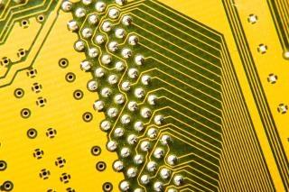 Esquema de placa de circuito eletrônico Foto gratuita