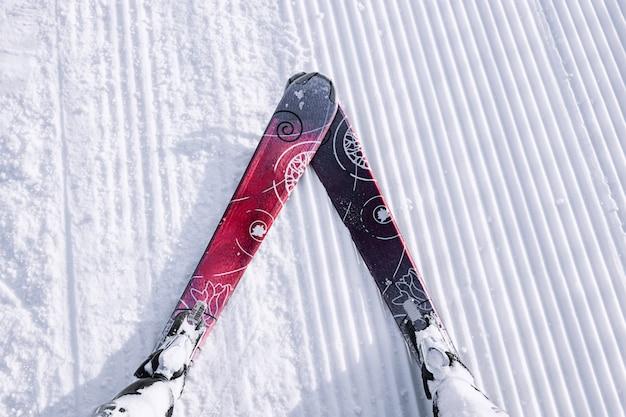 Esquiador, primeira pessoa, vista, de, a, esqui neve, declive Foto Premium