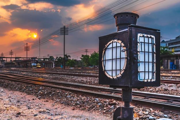 Estação do trem de paisagem ao ar livre Foto Premium