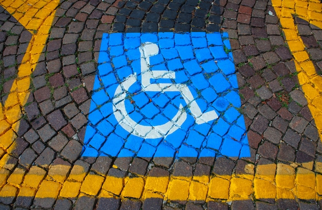 Estacionamento para deficientes Foto Premium
