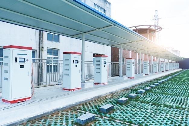 Estações de carregamento de carros elétricos Foto Premium