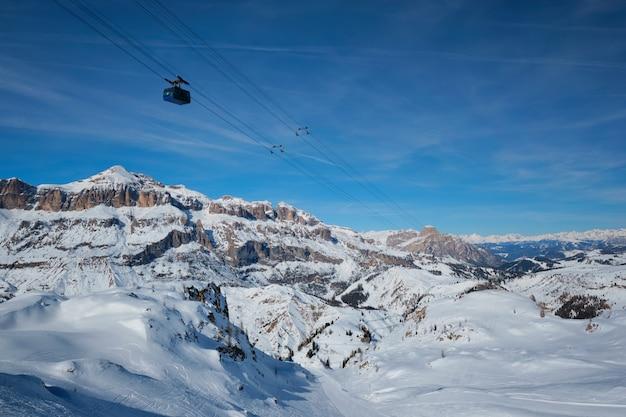 Estância de esqui em dolomitas, itália Foto Premium