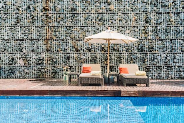 Estância de piscina do hotel Foto gratuita