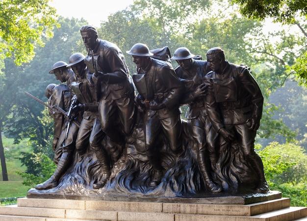 Estátua de new york dos soldados de i guerra mundial, central park. Foto Premium