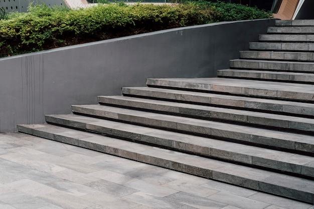 Estilo moderno de escada mínima Foto gratuita
