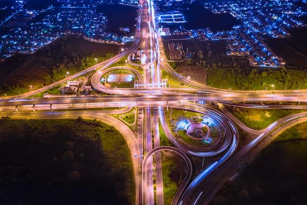 Estrada de anel industrial na tailândia Foto Premium