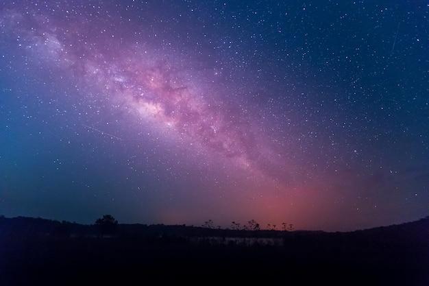 Estrela, astronomia, galáxia da via láctea Foto Premium