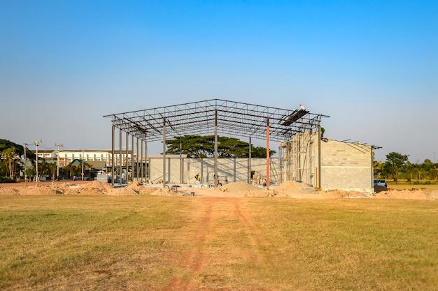 Estrutura do edifício em construção, mais de 30% Foto Premium