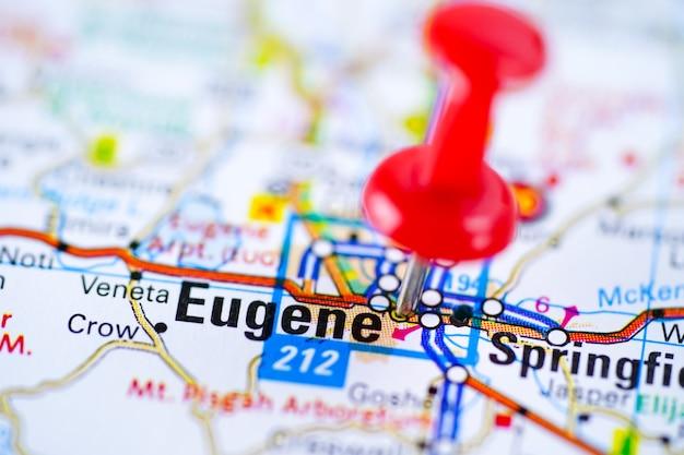 Eugene roteiro com alfinete vermelho, cidade nos estados unidos da américa eua. Foto Premium