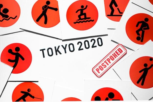 Evento esportivo 2020 adiado composição Foto gratuita