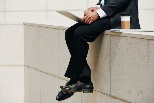 Executivo de negócios trabalhando Foto gratuita