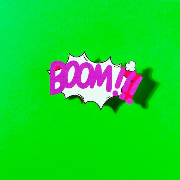 Explosão de ilustração em quadrinhos desenhos animados explosão de vetor contra pano de fundo verde Foto gratuita