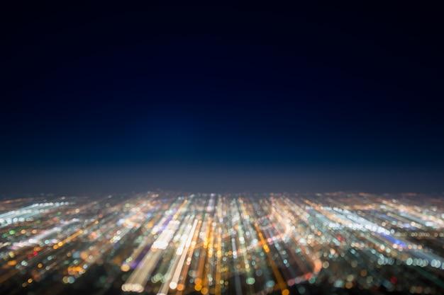 Exposição longa abstrata, foto surreal experimental, luzes da cidade e do veículo na noite Foto Premium